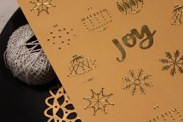 Ana-Madic-Fotografie-Adventszeit-Geschenkverpackung-1